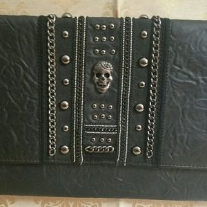 Large skull clutch, NWOT by Torrid